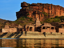 Cliffs Rocks, Badami, Indien